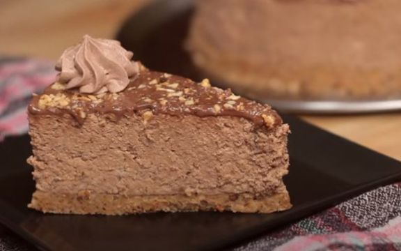 Ferrero torta bez pečenja! (VIDEO RECEPT)