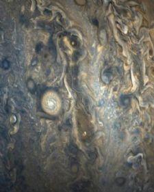 Naučnici slučajno otkrili 12 novih meseca koji orbitiraju oko Jupitera! Astronomi i dalje otkrivaju mesece oko Jupitera, a u najnovijem pokušaju uočili su ih 12, čime je ukupan broj ..