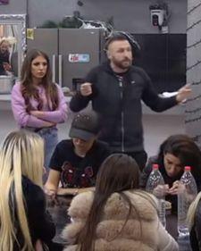 Zadruga 2: Ša zapretio Pavlu! Grebaćeš na vrata! VIDEO Pavle Jovanović je u rijalitiju Zadruga 2 optužio Ša da Dragani prenosi laži o njemu, a onda je ..